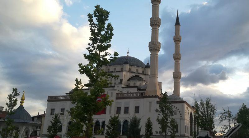 Muhsin Yazıcıoğlu Camii
