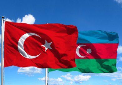 Yavuz Bülent BAKİLER- Azerbaycan Yüreğimde Bir Şahdamardır